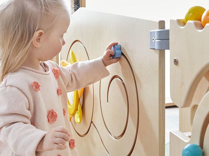 Des jeux HABA adaptés aux enfants dans des matériaux responsables
